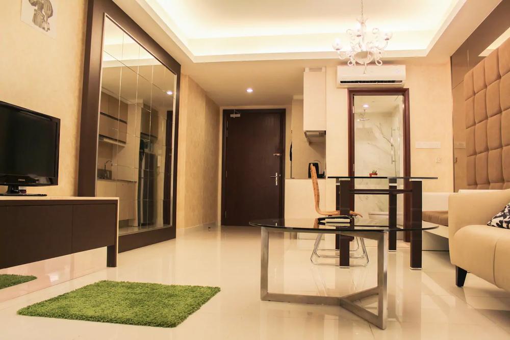 yoga-detox-retreat-kuala-studio-living-room.png