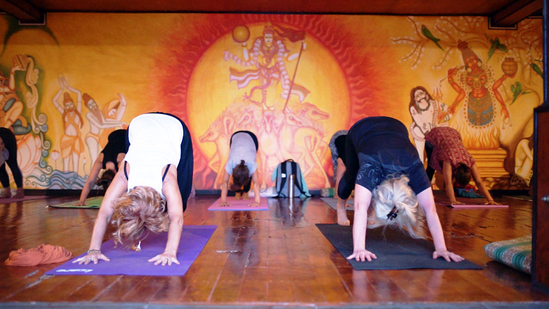10-day-women-only-yoga-retreat-in-kerala-india.png