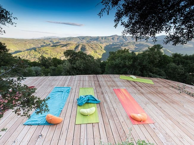 8-day-womens-healing-yoga-retreat-in-greece.png