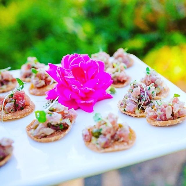 Tuna tartare on a potato crisp made all the lovelier with a beautiful flower! ❤️❤️😍😍