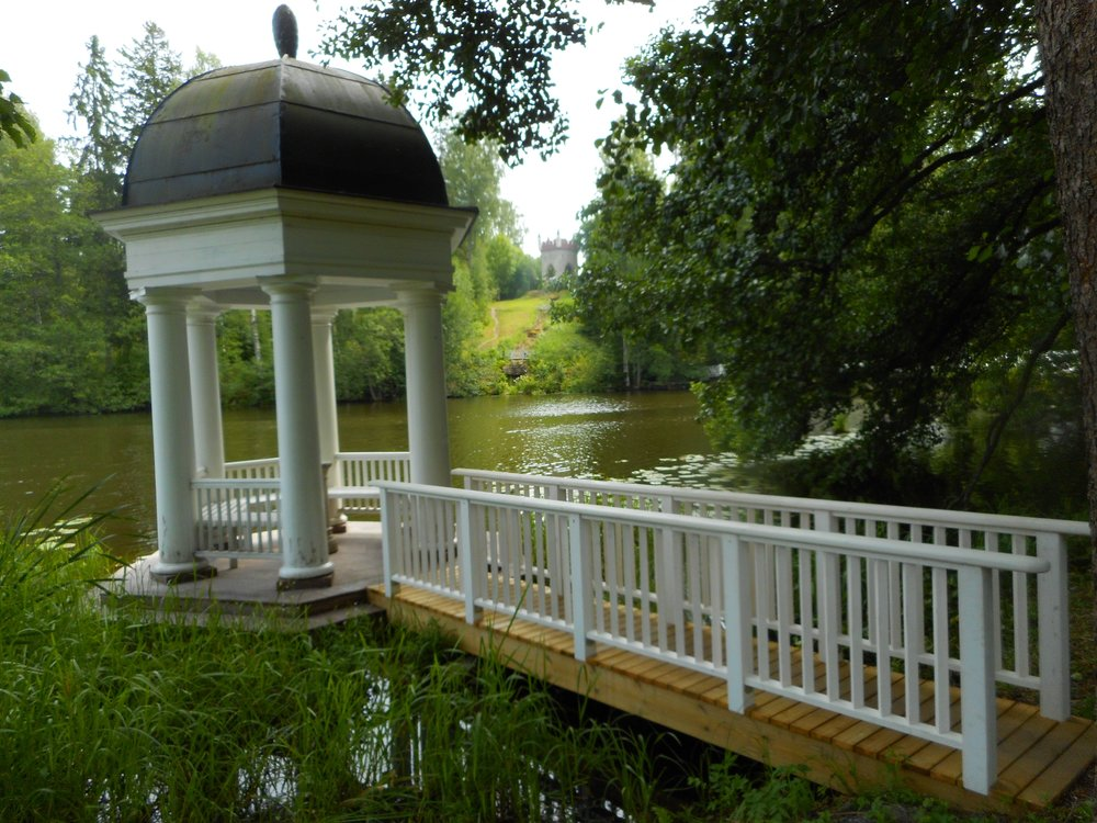 Manor Tour Mustio Manor Svartå Manor garden