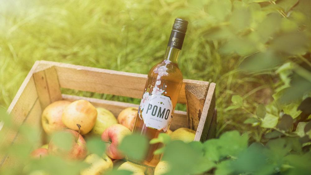aperitif-club-pomo-belgian-cocktail-pomo-2.jpg