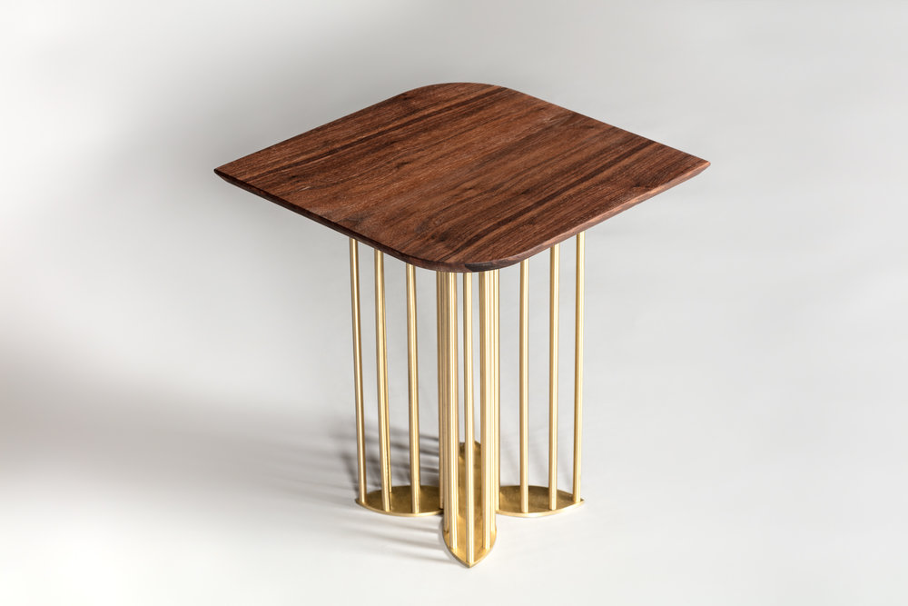 Top : Solid Walnut Veneer  Base : Solid Brass