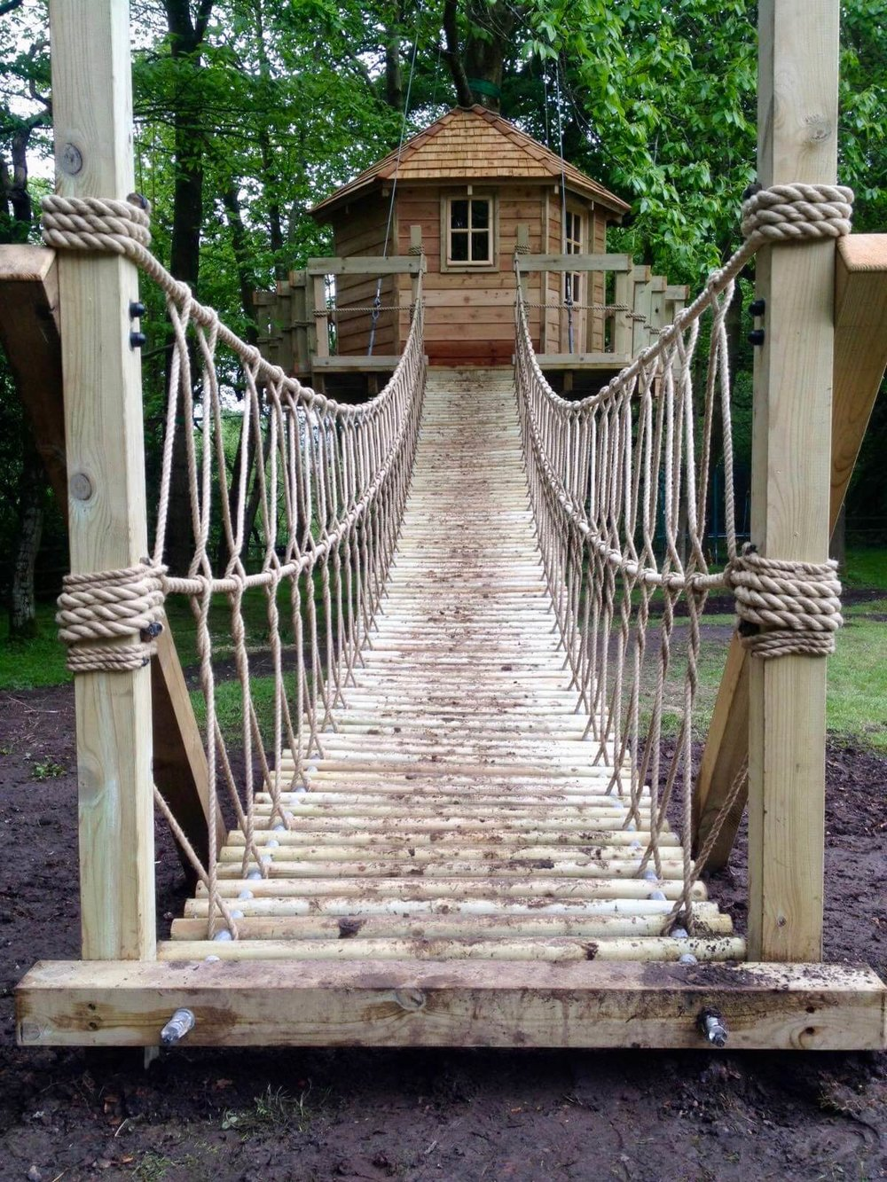 Garden Log Rope Bridge — Rope Bridge projects - UK and Worldwide on tree house boat design, tree shaped bookshelf, japanese garden bridge design, tree fort rope bridge,
