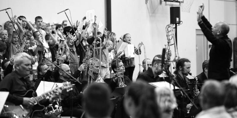 Aarhus Jazz Orchestra spiller hvert år skolekoncerter på skoler i Aarhus Kommune. Foto: Jesper Seneca