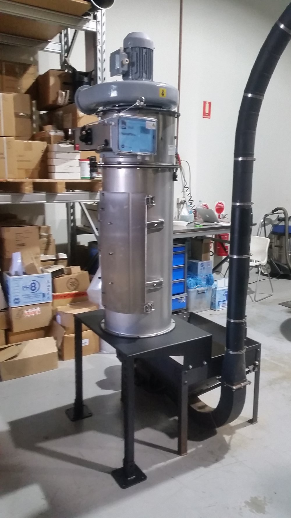 Dust collector installation