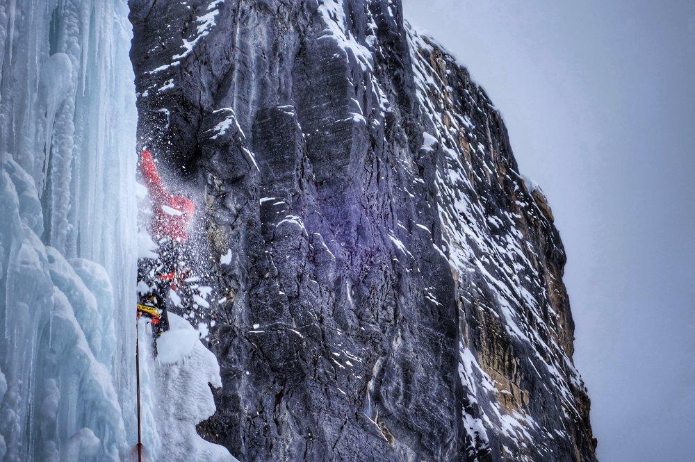 Matthias Scherer on  Nemesis, Stanley Headwall, Canada - picture Tanja Schmitt