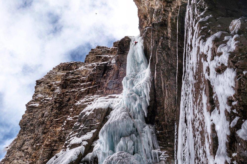 Matthias Scherer on Whiteman Falls, Kananaskis, Canada - picture Tanja Schmitt