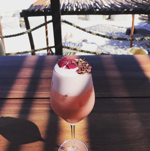 Wouldn't mind being on the beach with one or two of these 🍹 📸 : @adanleall