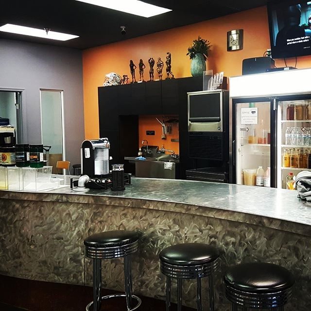Get out of the rain! Come pull up a stool and try some of our signature shakes or warm up with our amazing esspressos.  #rainydays #tucson #ignitefitness #gethot #fitfam #protienshake #caffeine