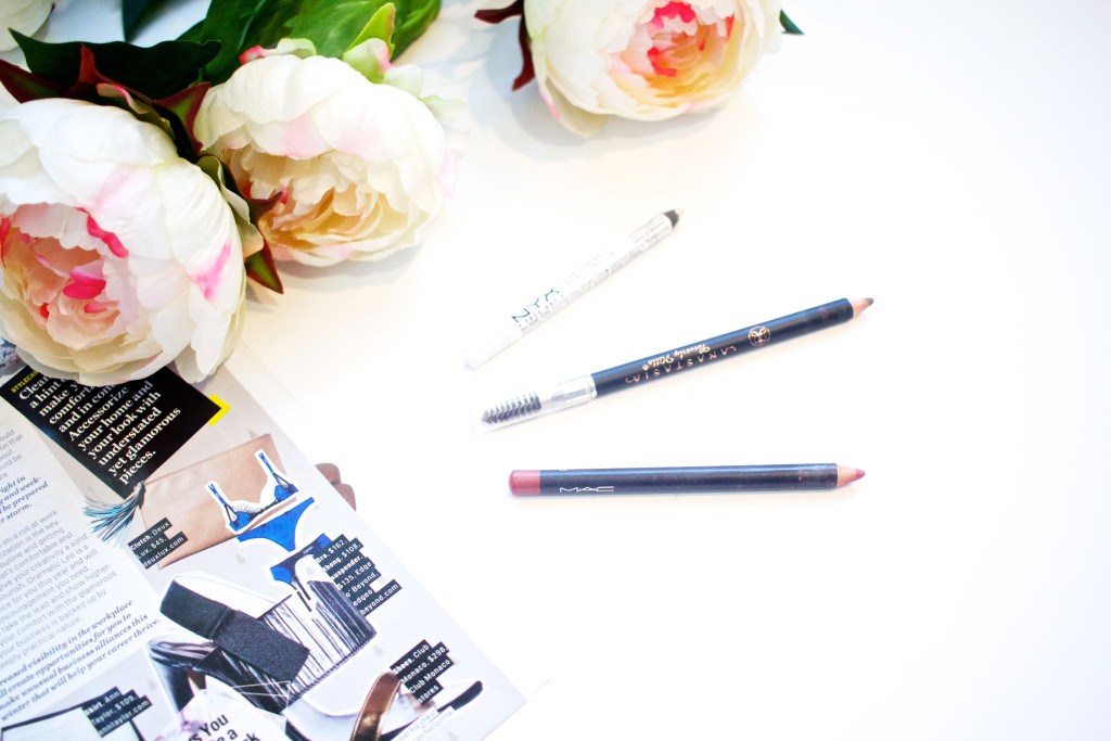3 Pencil Products You Absolutely NEED in Your Makeup Routine | www.annemariemitchell.com