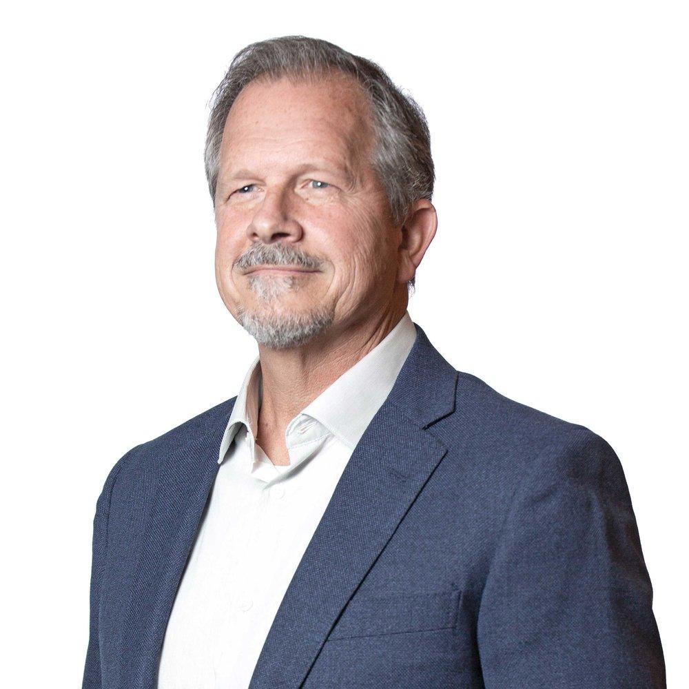 Steve Sanchez, Principal