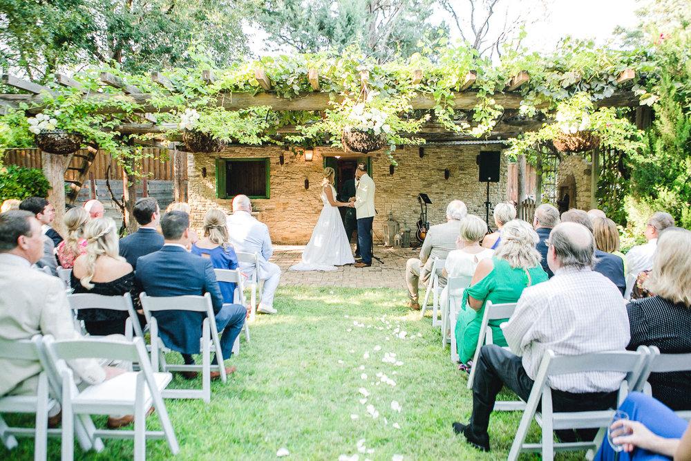 ali-brandon-hamilton-lubbock-wedding-photographer-estate-lee-lewis-construction-bee-alleej_0063.jpg