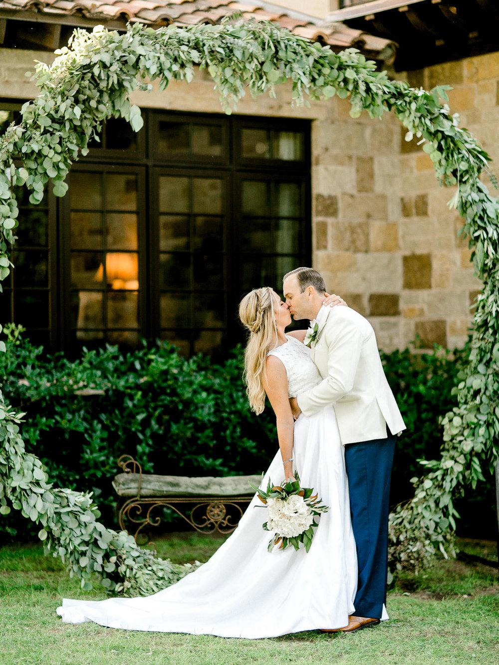 ali-brandon-hamilton-lubbock-wedding-photographer-estate-lee-lewis-construction-bee-alleej_0070.jpg
