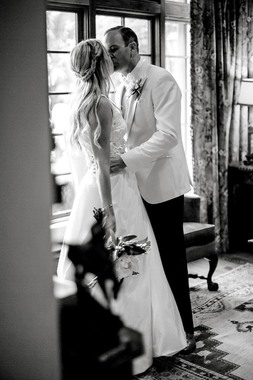 ali-brandon-hamilton-lubbock-wedding-photographer-estate-lee-lewis-construction-bee-alleej_0100.jpg