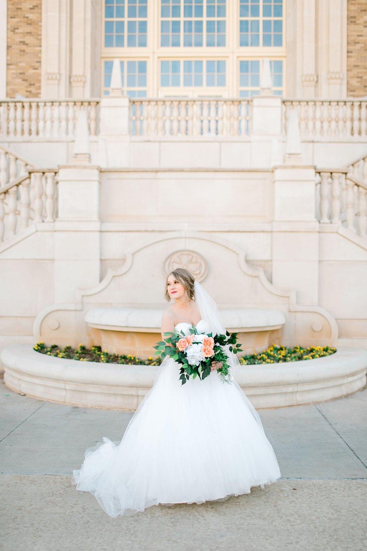 Kaila-cox-bridals-lubbock-photographer0028.jpg