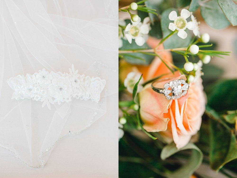 kayla-jacob-dow-cotton-creek-barn-lubbock-wedding-photographer-alleej0010.jpg