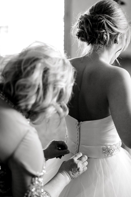 kayla-jacob-dow-cotton-creek-barn-lubbock-wedding-photographer-alleej0015.jpg