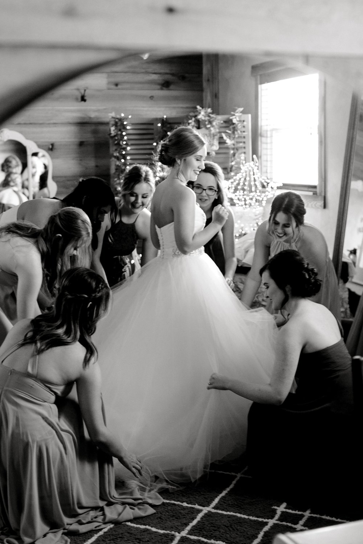 kayla-jacob-dow-cotton-creek-barn-lubbock-wedding-photographer-alleej0017.jpg