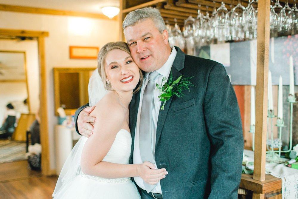 kayla-jacob-dow-cotton-creek-barn-lubbock-wedding-photographer-alleej0057.jpg