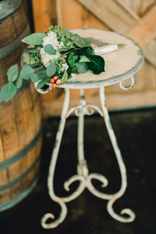kayla-jacob-dow-cotton-creek-barn-lubbock-wedding-photographer-alleej0068.jpg