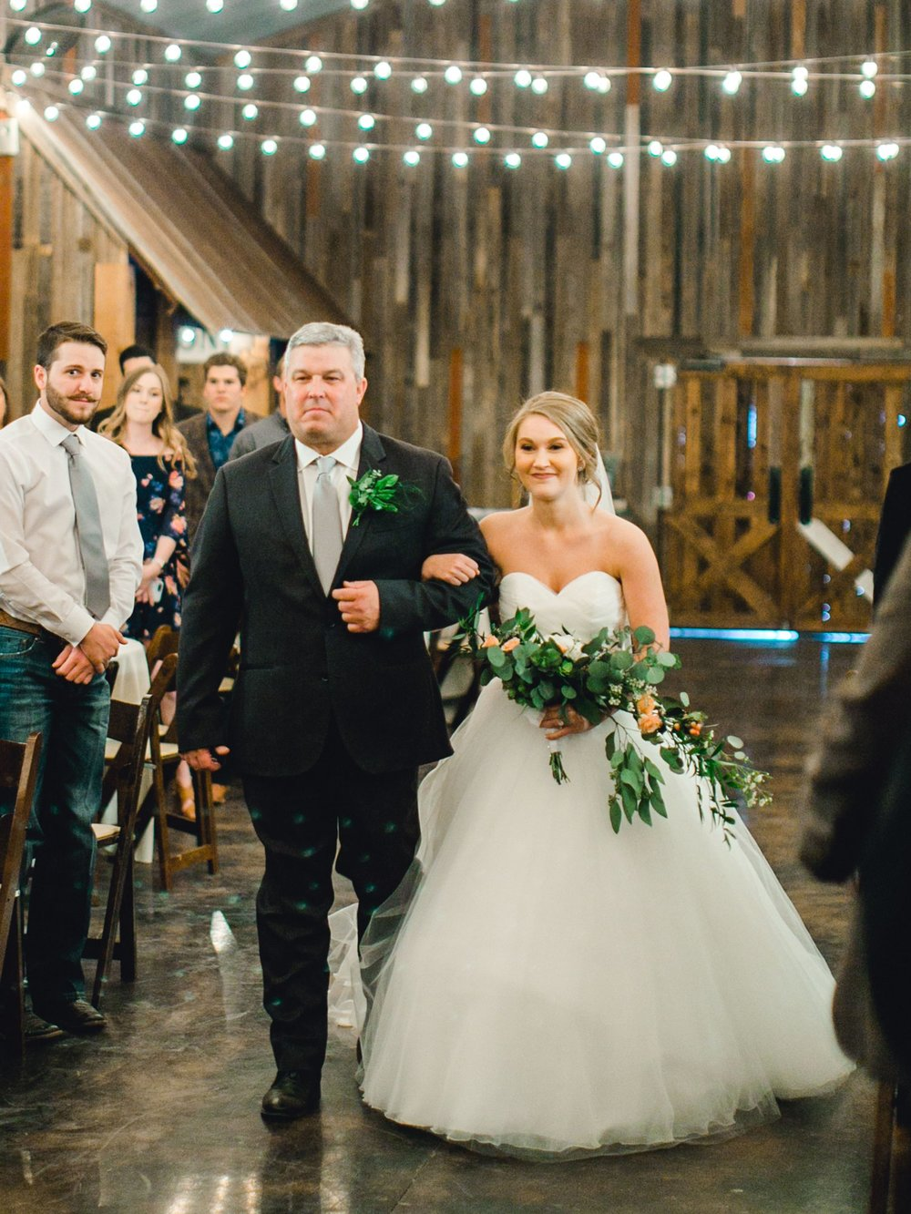 kayla-jacob-dow-cotton-creek-barn-lubbock-wedding-photographer-alleej0076.jpg