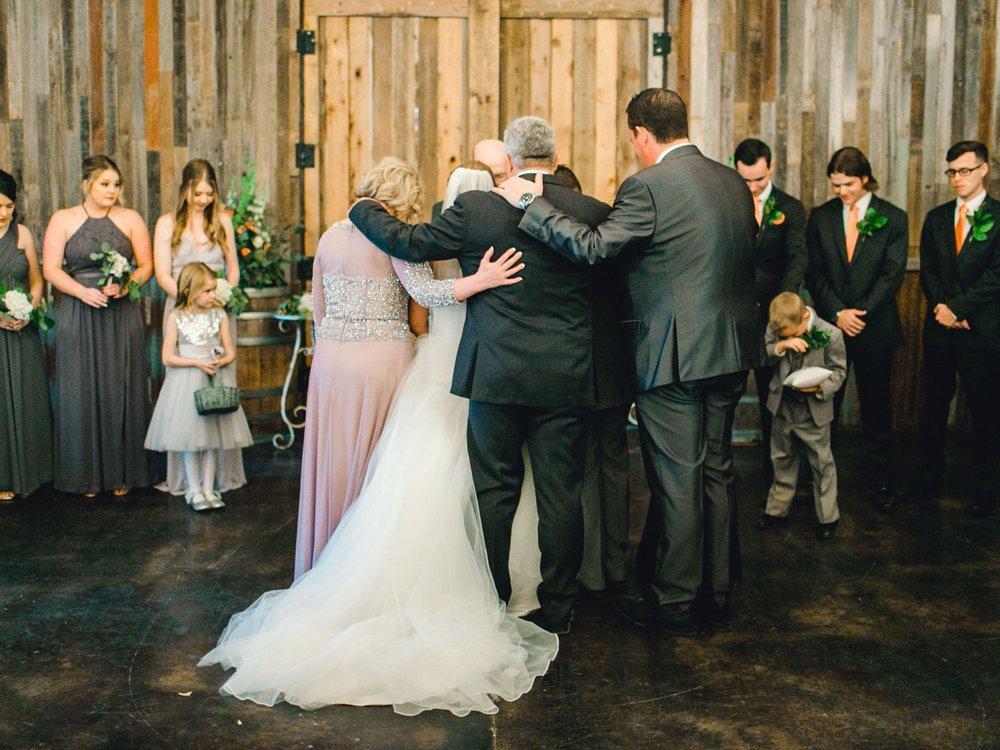 kayla-jacob-dow-cotton-creek-barn-lubbock-wedding-photographer-alleej0079.jpg
