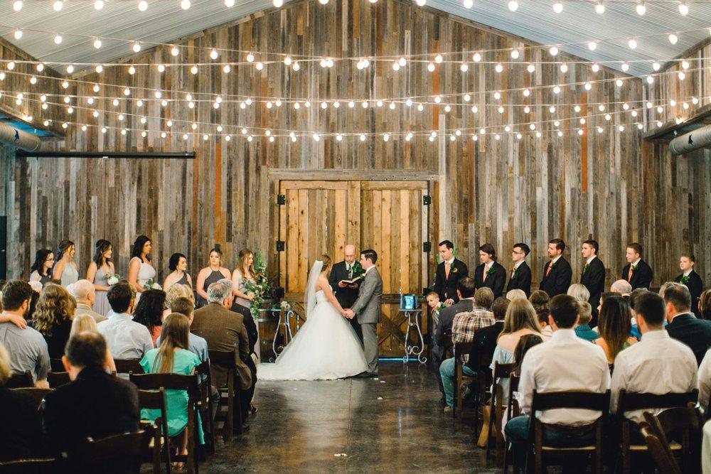 kayla-jacob-dow-cotton-creek-barn-lubbock-wedding-photographer-alleej0083.jpg