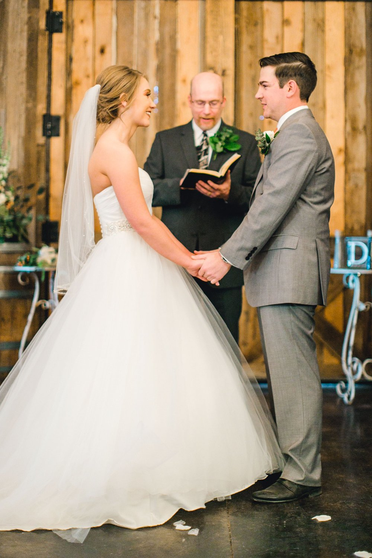 kayla-jacob-dow-cotton-creek-barn-lubbock-wedding-photographer-alleej0084.jpg