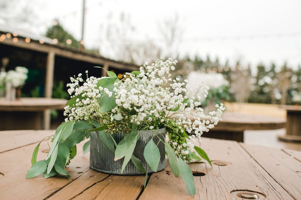 kayla-jacob-dow-cotton-creek-barn-lubbock-wedding-photographer-alleej0095.jpg