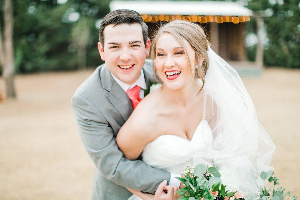 kayla-jacob-dow-cotton-creek-barn-lubbock-wedding-photographer-alleej0121.jpg