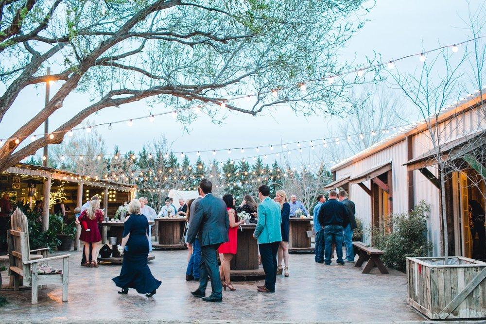 kayla-jacob-dow-cotton-creek-barn-lubbock-wedding-photographer-alleej0124.jpg