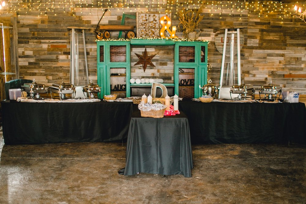kayla-jacob-dow-cotton-creek-barn-lubbock-wedding-photographer-alleej0125.jpg