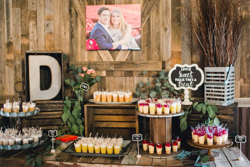 kayla-jacob-dow-cotton-creek-barn-lubbock-wedding-photographer-alleej0128.jpg