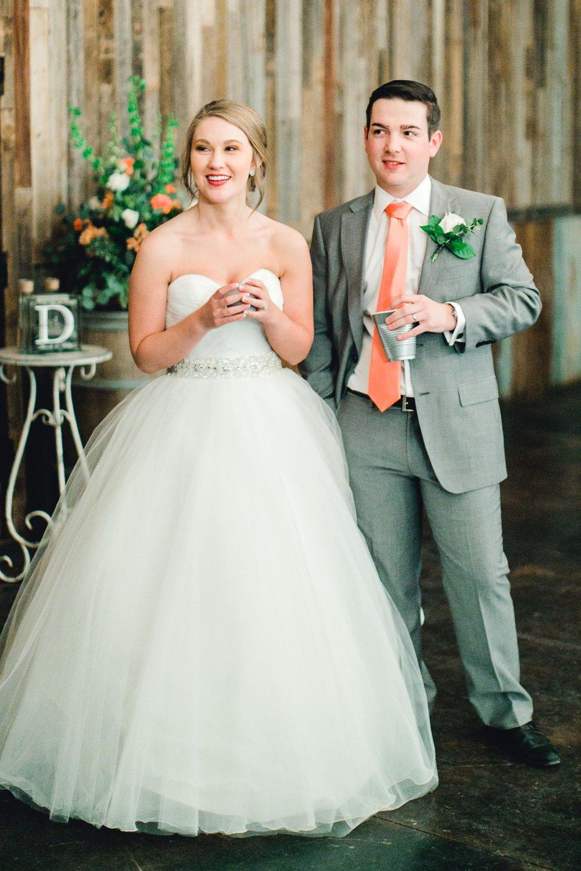kayla-jacob-dow-cotton-creek-barn-lubbock-wedding-photographer-alleej0134.jpg