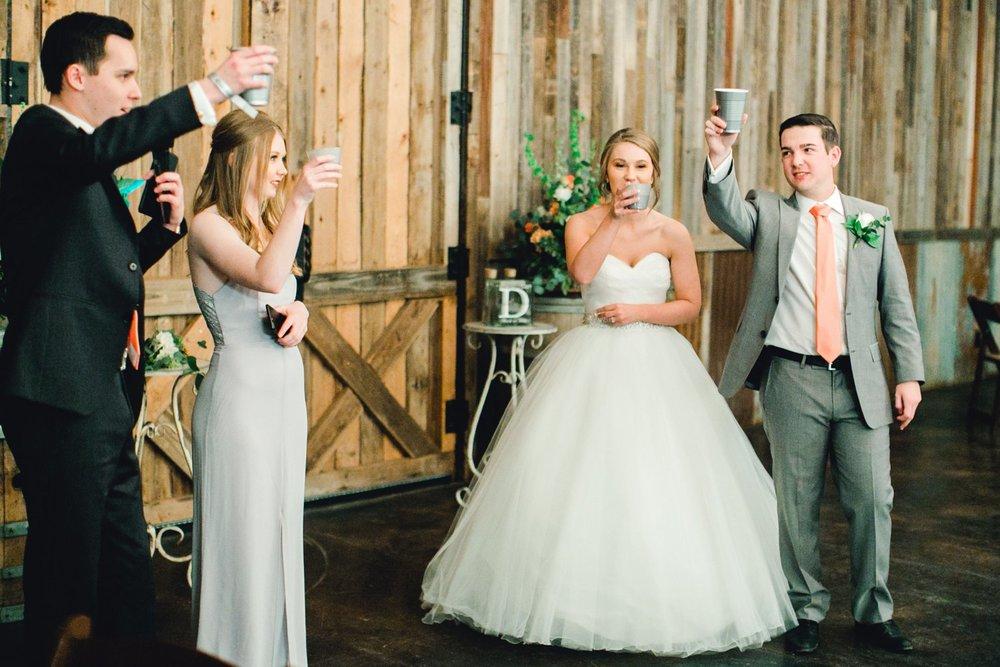 kayla-jacob-dow-cotton-creek-barn-lubbock-wedding-photographer-alleej0136.jpg