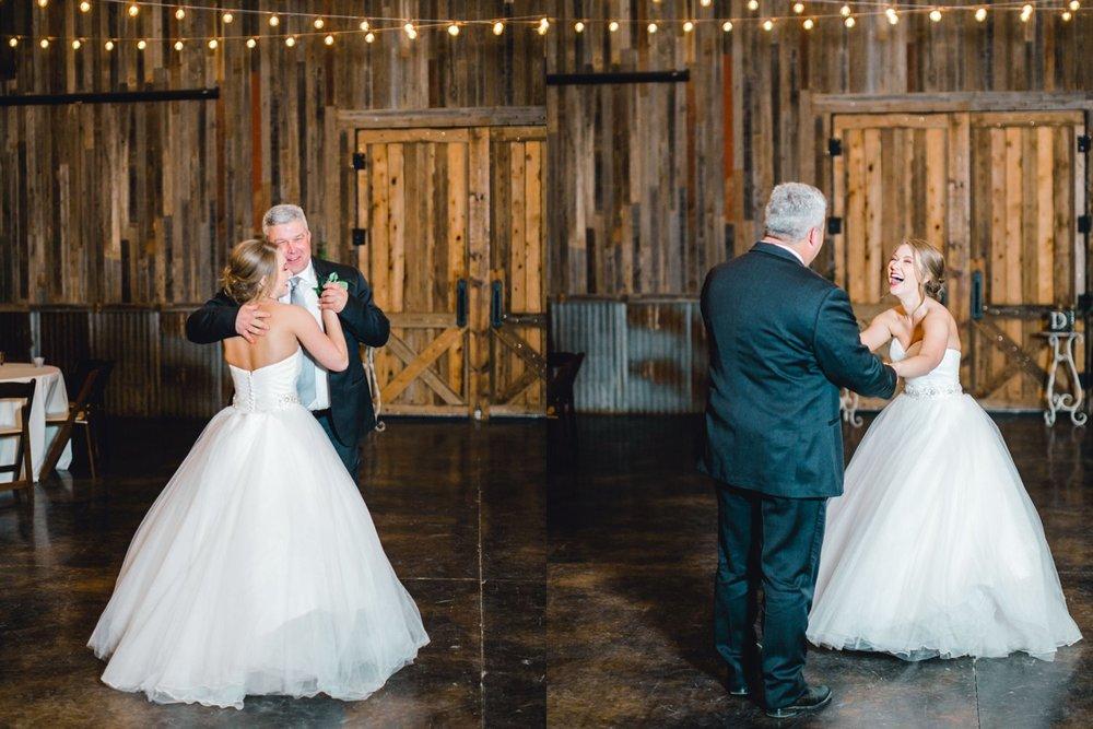 kayla-jacob-dow-cotton-creek-barn-lubbock-wedding-photographer-alleej0140.jpg