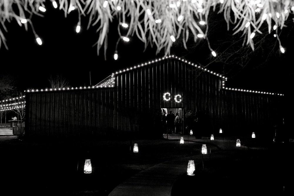 kayla-jacob-dow-cotton-creek-barn-lubbock-wedding-photographer-alleej0162.jpg