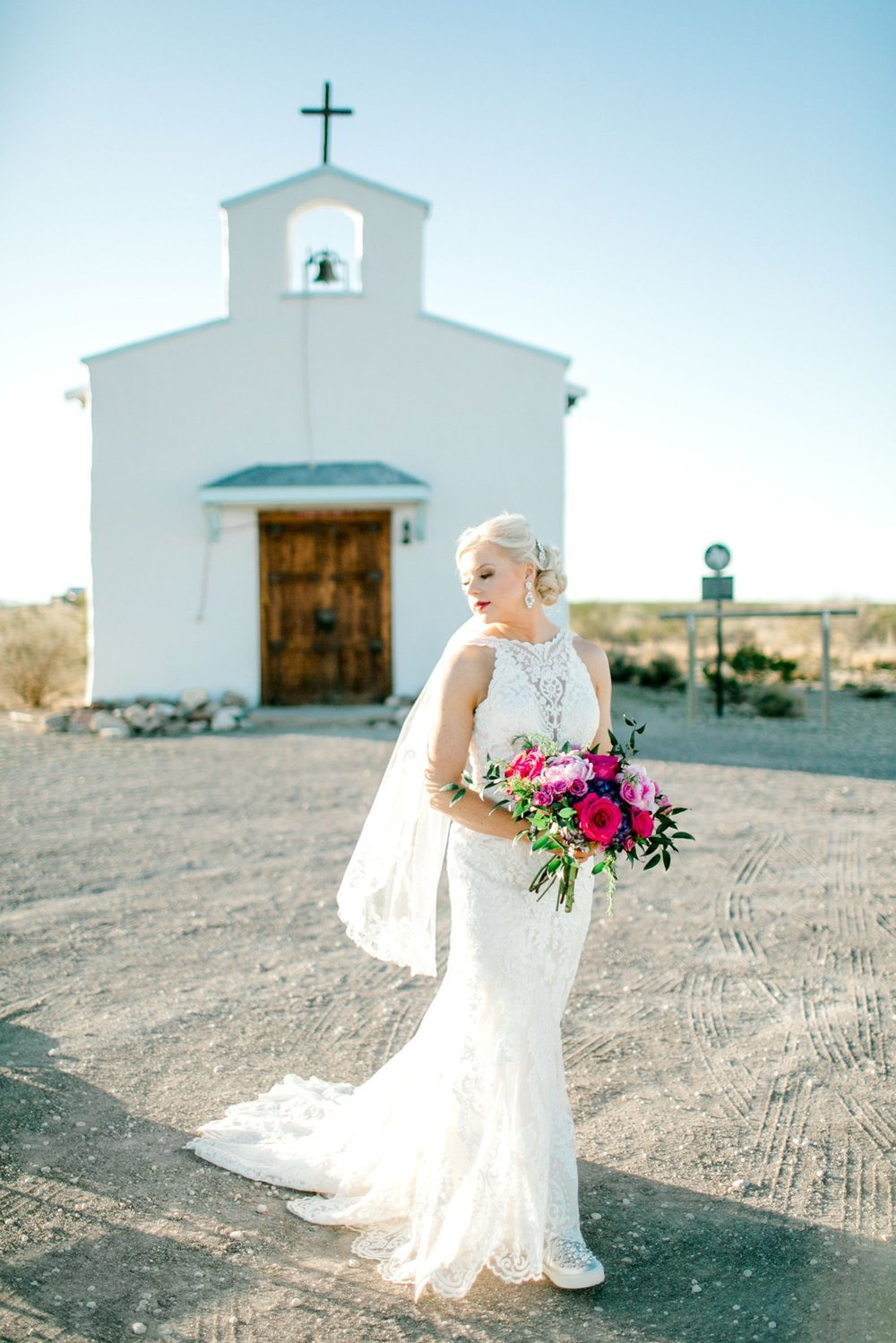 Jenna-evans-bridals-balmorhea-texas-fort-davis-wedding-photographer-lubbock-photographer__0042.jpg