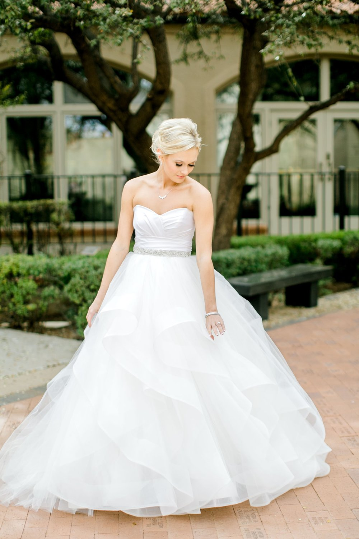 Taylor-Williams-Merket-Alumni-Center-Texas-Tech-Weddings-Lubbock-Photographer_0005.jpg