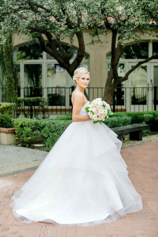 Taylor-Williams-Merket-Alumni-Center-Texas-Tech-Weddings-Lubbock-Photographer_0008.jpg