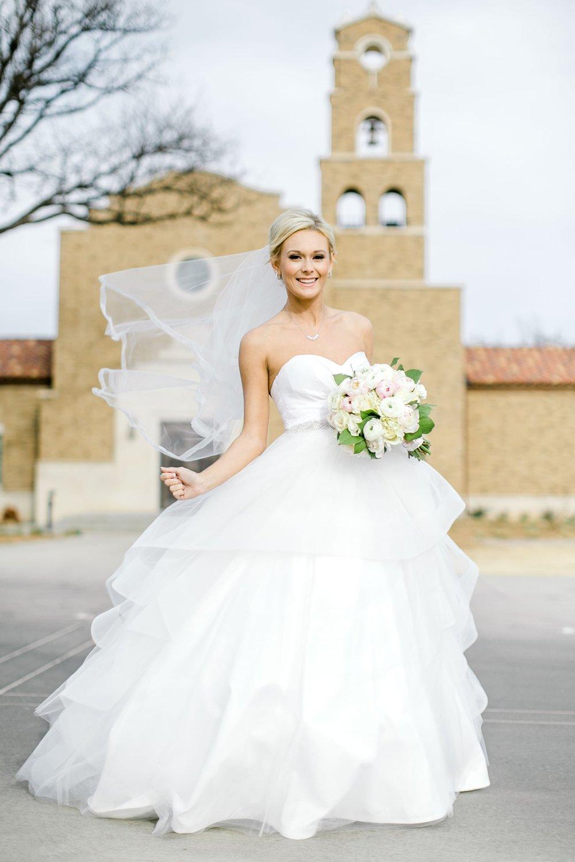 Taylor-Williams-Merket-Alumni-Center-Texas-Tech-Weddings-Lubbock-Photographer_0020.jpg