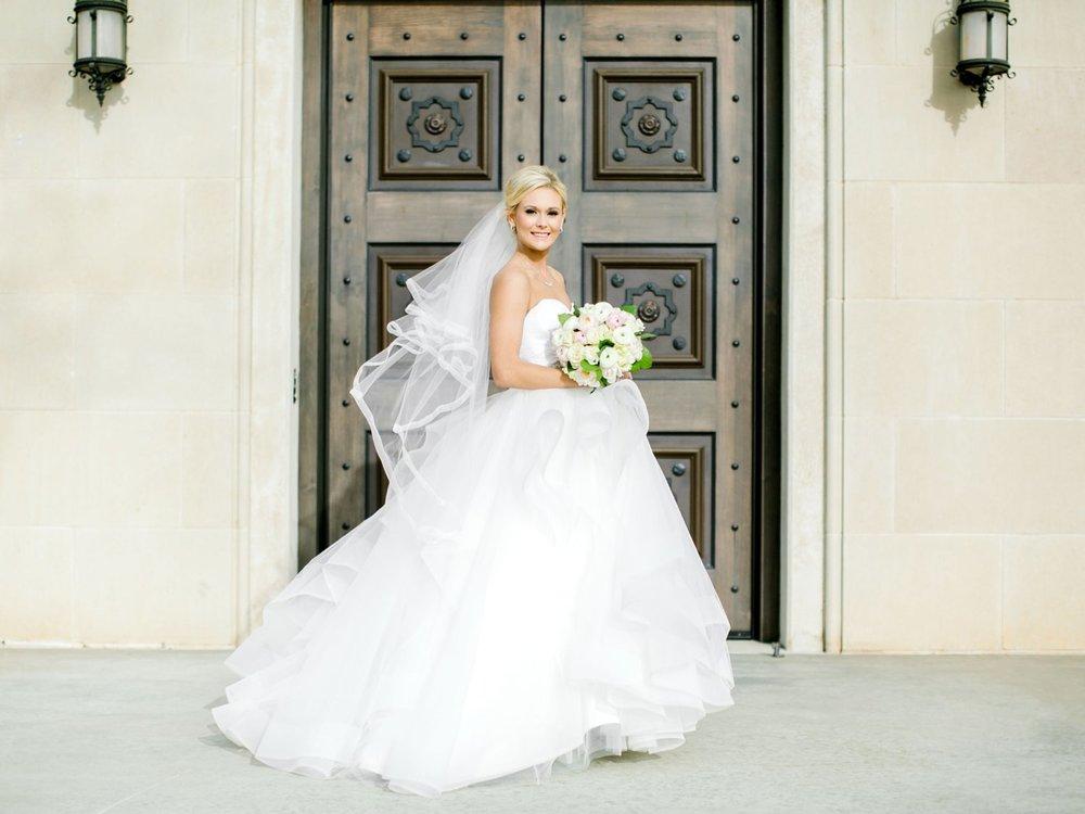 Taylor-Williams-Merket-Alumni-Center-Texas-Tech-Weddings-Lubbock-Photographer_0031.jpg