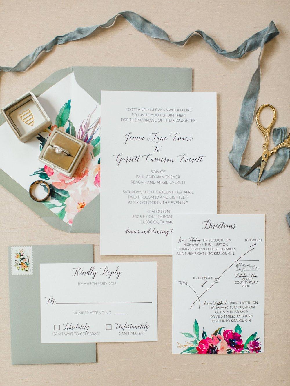 Jenna-and-garrett-Everett-kitalou-gin-lubbock-wedding-dayspring-designs-lubbock-wedding-photographer_0006.jpg