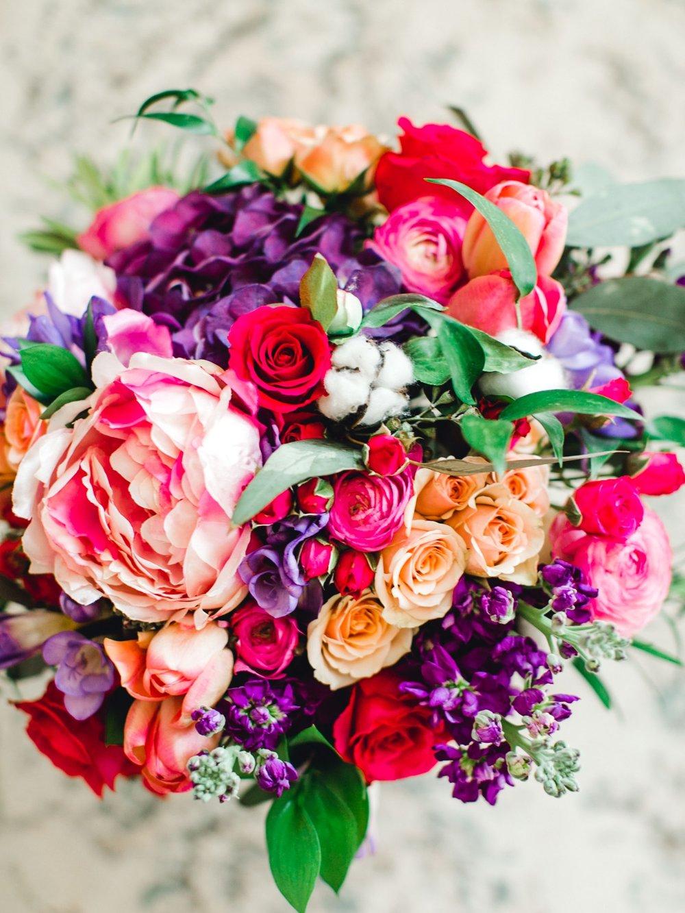 Jenna-and-garrett-Everett-kitalou-gin-lubbock-wedding-dayspring-designs-lubbock-wedding-photographer_0012.jpg