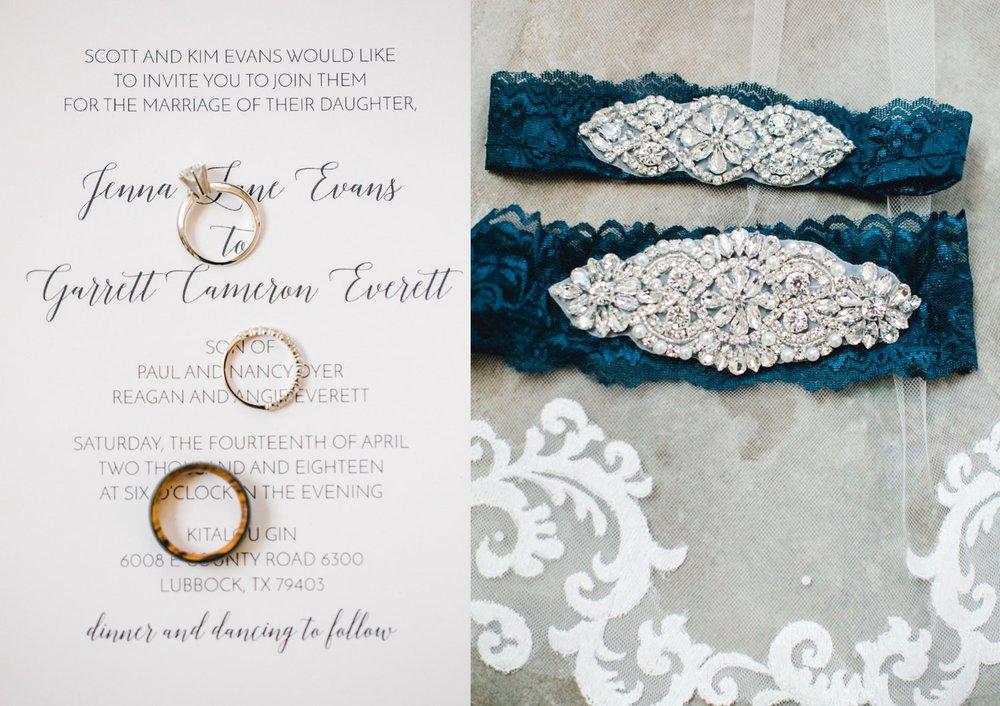 Jenna-and-garrett-Everett-kitalou-gin-lubbock-wedding-dayspring-designs-lubbock-wedding-photographer_0017.jpg