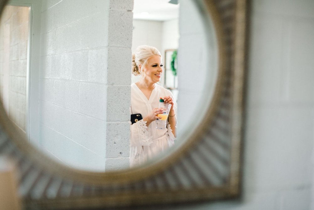 Jenna-and-garrett-Everett-kitalou-gin-lubbock-wedding-dayspring-designs-lubbock-wedding-photographer_0019.jpg