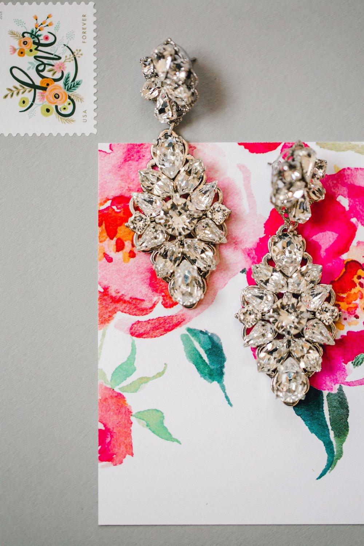 Jenna-and-garrett-Everett-kitalou-gin-lubbock-wedding-dayspring-designs-lubbock-wedding-photographer_0018.jpg