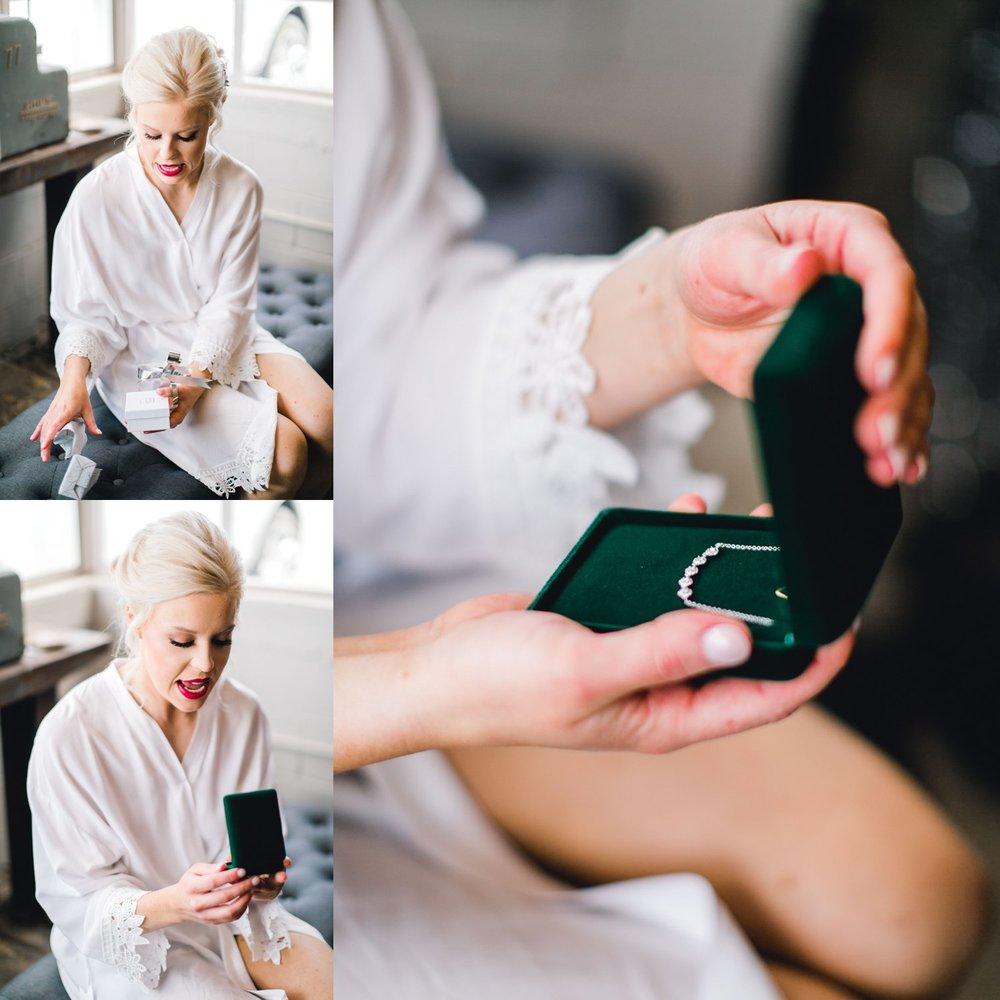 Jenna-and-garrett-Everett-kitalou-gin-lubbock-wedding-dayspring-designs-lubbock-wedding-photographer_0028.jpg
