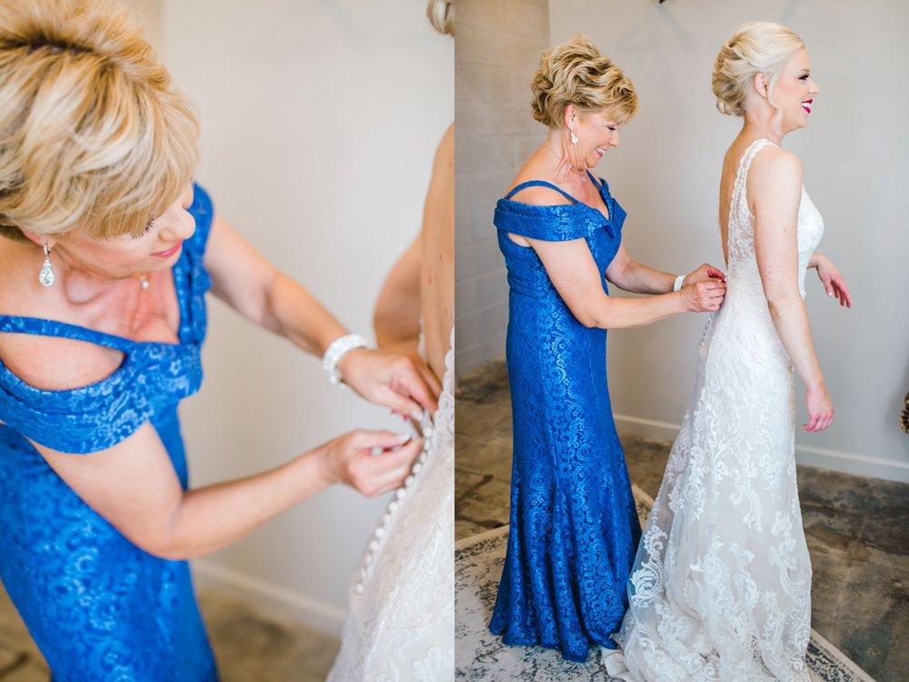 Jenna-and-garrett-Everett-kitalou-gin-lubbock-wedding-dayspring-designs-lubbock-wedding-photographer_0033.jpg